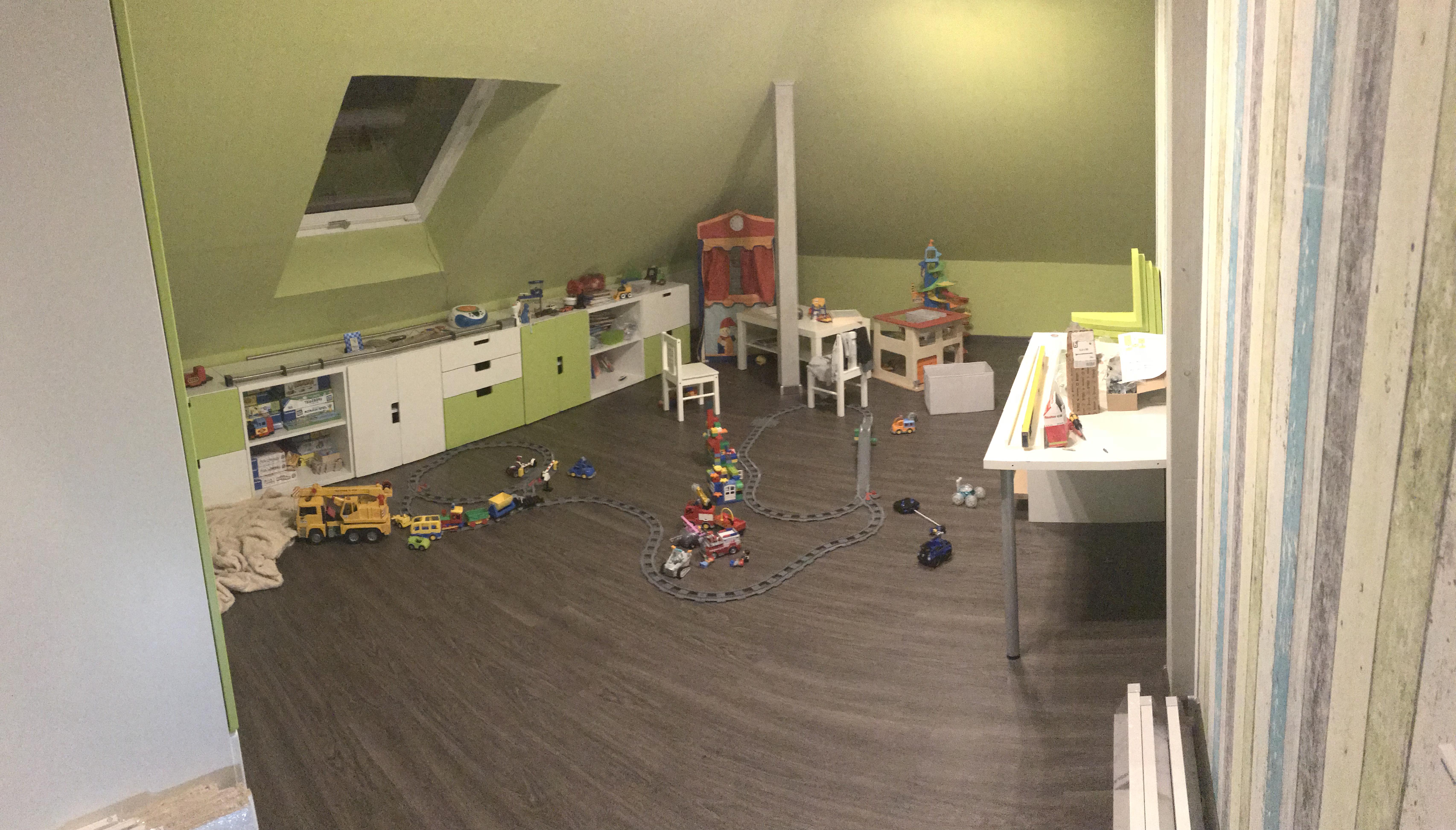Gewaltig Dachboden Ausbauen Treppe Galerie Von Das Neue Kinderzimmer, Welches Sich Hinter Der